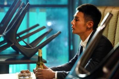 愛情是一種想戒卻又戒不了的習慣 李榮浩《戒菸》影射現今都市人感情觀