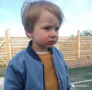 3歲的兒子抱怨總在凌晨被鬼嚇醒,父母一查,這鬼居然是鄰居...