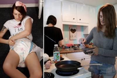 找了個愛吃nei nei穿尿不濕的巨嬰女盆友,這哥們開始了又當男友又當爹的生活...