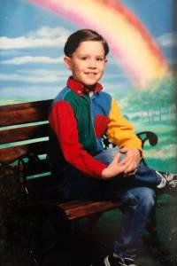 歪果網友Po出自己畫風清奇的童年照,原來大家都有一個餘生都不想去回味的童年...