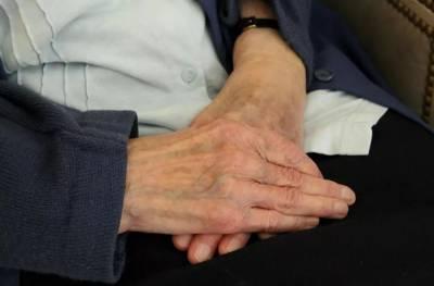 相戀73年,這對老夫妻在去世前幾天,做了這樣一個意想不到的決定···