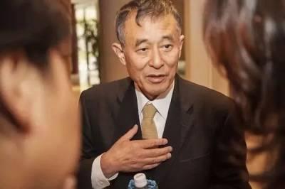 8年不准戀愛 入學一律剪光頭···75歲的他罵出了50位世界級大師,年入11億!