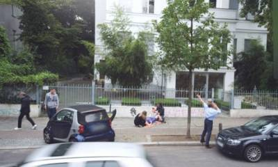 Google街景車拍下斧子殺手,結果只是惡作劇