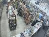 神反轉!一家便利店的攝像頭,記錄下了一段超神的劇情!