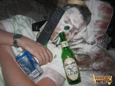 喝酒時 千萬不要比朋友早醉倒的原因