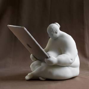 親愛的維納斯,幫我拿著iPad好嗎?