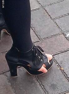 一個人的品味,從穿鞋子就能看出來。。。
