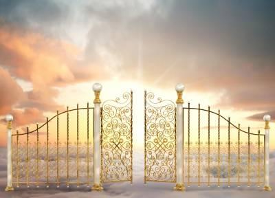 天堂的門壞了!有個人卻讓上帝跟閻王崩潰了...