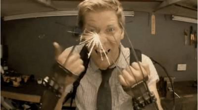 屌炸天!金剛狼的鋒利鋼爪被造出來了!!!