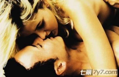 接吻時做這些 會讓你的女人更上火