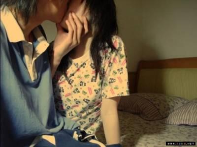 小情侶因第一次太興奮,激吻後送醫...