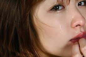 網路瘋傳!人妻的痛苦自白:老公和婆婆哭著跪在地上!婆婆:求你和公公同睡一晚!