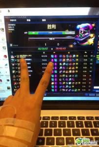 【超正】90後宅女:我是瘋狂遊戲迷,打著點滴也要玩!