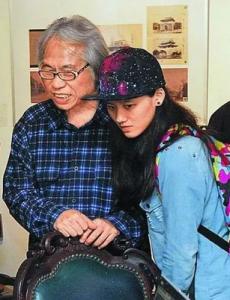 台版「爺孫戀」輸了!菲律賓60歲歌手愛上16歲小女友@@