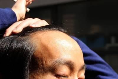 日本酒館為禿子提供折扣,越多禿子折扣越大!