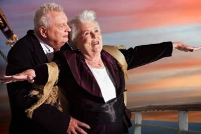 好萊塢經典電影重現~竟由養老院老人合演?