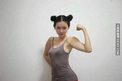 「中國最美女漢子」彌秋女怪獸 超萌春麗照暴紅[圖]