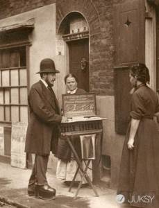 一百年前的「街拍」!一起來看看上個世紀的 URBAN STREET FASHION