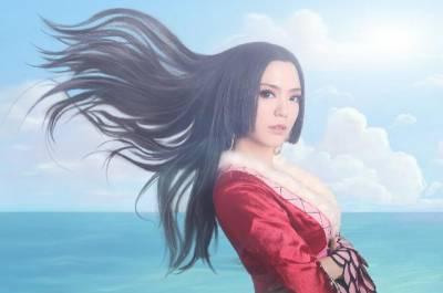 史上最美真人版女帝,光是看到背就深深被治癒了!
