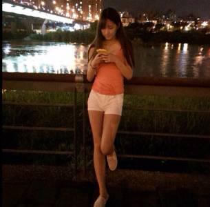 高雄愛河夜跑正妹出沒,河邊真的會發生很多故事XD