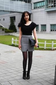 韓國校園美腿篇閃瞎我的狗眼了...好美(流口水ing 妹子