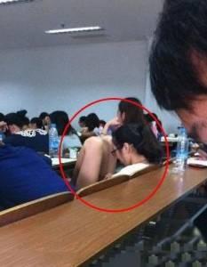 上課的時候發現... 女同學的異樣舉動 我才真的明白腿長真好!