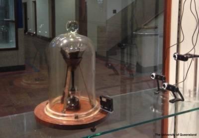 搞笑諾貝爾獎:瀝青滴漏實驗