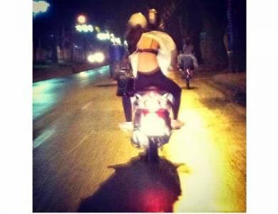 「騎車背後全裸會比較殺嗎?」越南那些穿著暴露的火辣女騎士