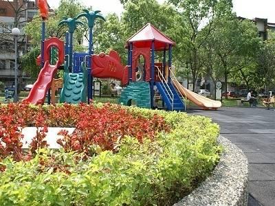 公園裡的震撼教育
