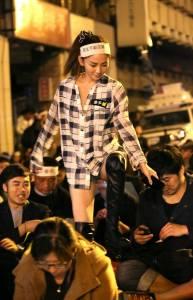 超短褲「太陽花學運女王」本人現身!PO文「沒錯,照片上是我!」
