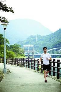 城市綠洲,一位漫行者─吳東龍|LaVie