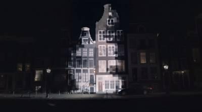 賓士創意投影廣告,將白天帶進黑夜,展現最新安全技術 Night View Assist!
