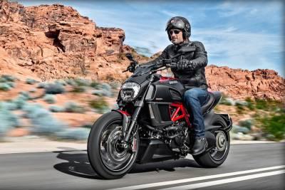 2015 Ducati Diavel 未來重機