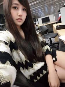 跟大家分享一個表特版的長髮正妹
