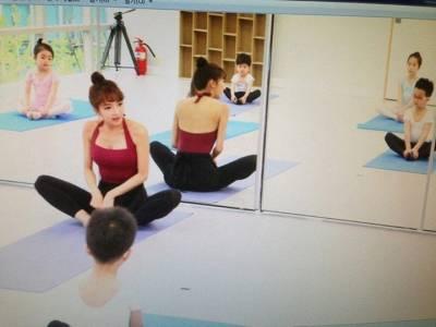 這樣的老師還怎麼上課 韓國美女老師私房照走紅