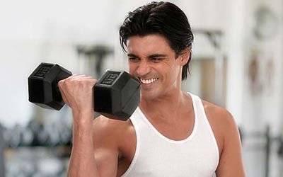 各年齡段的男性選擇適合自己的健身法