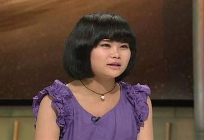 這個相貌平凡的女孩,竟是髒無感的垃圾女!她的家無法想像地髒…