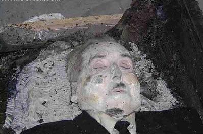 恐怖英國吸血鬼出土了....這種時挖他們睡覺的地方行嗎