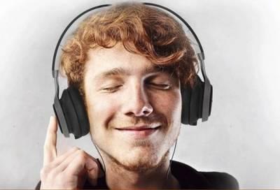 看A片戴了這副耳機,女人氣喘聲就在我身後!