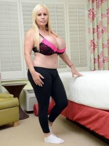 美國女子整形36次欲變真人版「芭比」