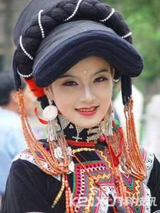 揭秘雲南彝族摸奶節:女人以被摸奶為吉利?