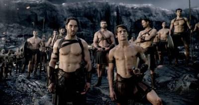 《300壯士:帝國崛起》戰士回歸,波斯女武神迎戰!│性愛場面解析|波昂刺刺