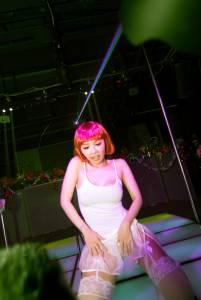 尤物好精采 尤物四週年聖誕Party,「壞女孩」單曲首度披露