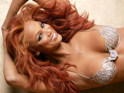 美女也能「有胸又有腦」 《超級名模生死鬥》主持人泰拉.班克斯進修哈佛