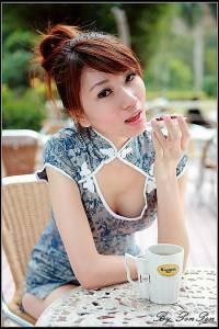 山寨版林志玲現身 Penny董靚予身材直逼第一名模