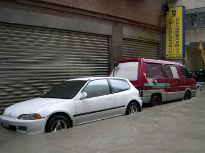 不讓愛車變泡水車的預防措施