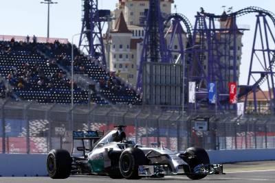 M.Benz 車隊世界冠軍穩當入袋