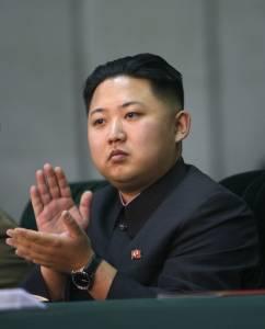 在朝鮮,大學新生必須理金三胖的髮型