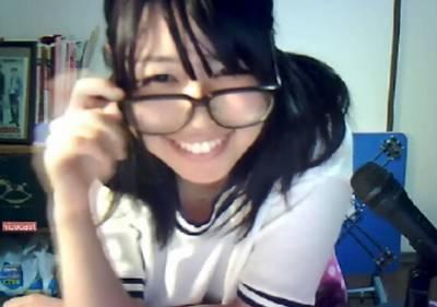 日本視訊美少女衣服底下的秘密...