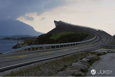 最危險卻也最美麗 你敢在這條公路上開車嗎?